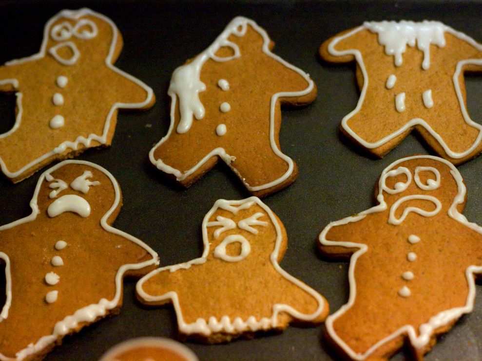 xmascookies, funny gingerbread cookies, hurt gingerbread cookies guys, holiday humour,