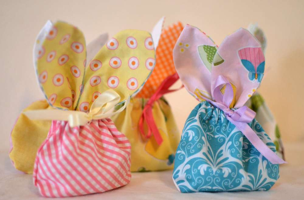 easter sewing, bunny treat bags, easter pouches
