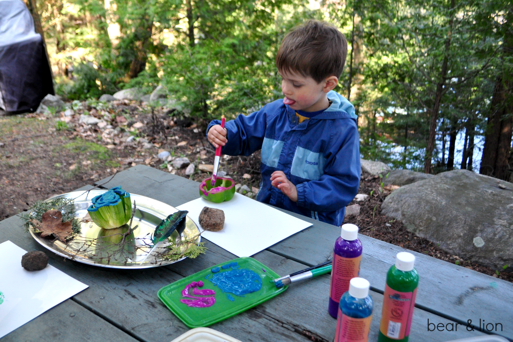 stamping with food, kids crafts, art outside, nature crafts